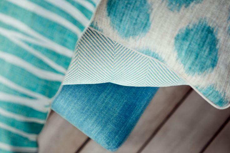 Le bleu sous tous ses angles. Toiles de Mayenne, Tisseur et Editeur. Tissus et accessoires de décorations. #madeinfrance #tissus #ameublement #frenchdesign #intérieur #bleu #decoration #lifestyle #modern