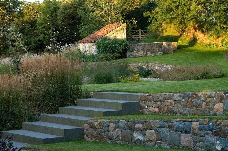 Guernsey — Dan Pearson Studio  wat een mooie tuinen maakt deze pipo