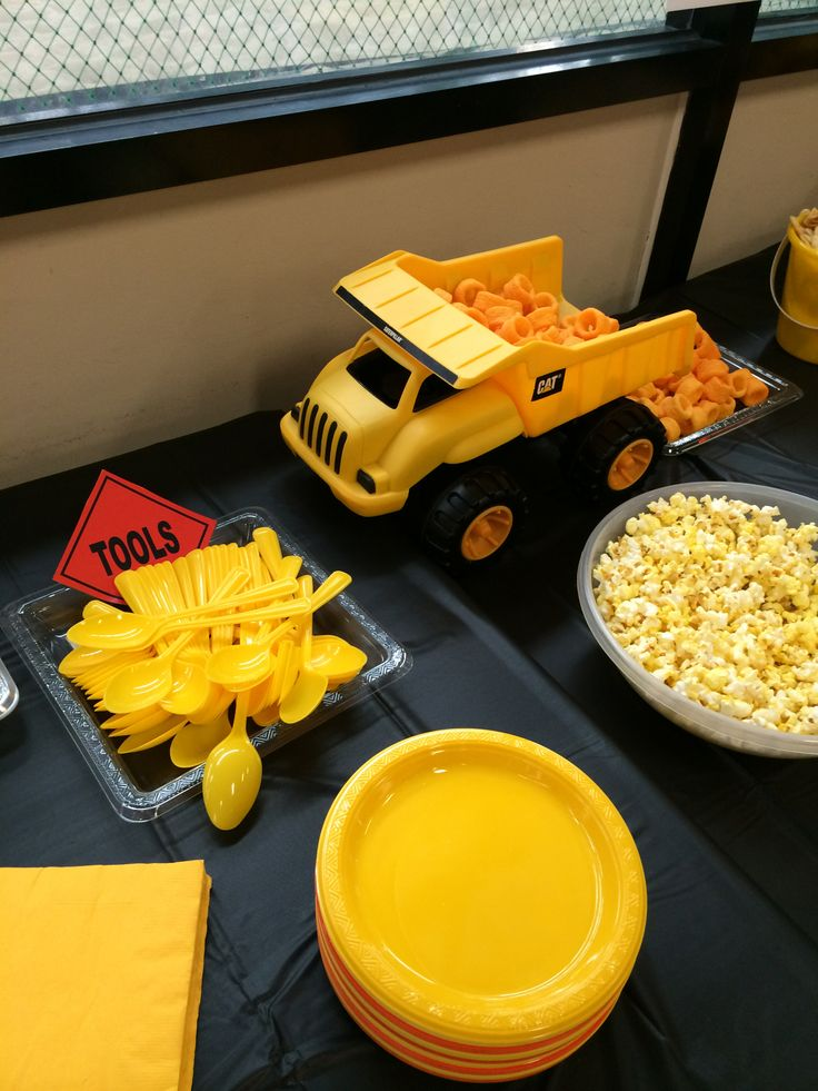 Digger food table