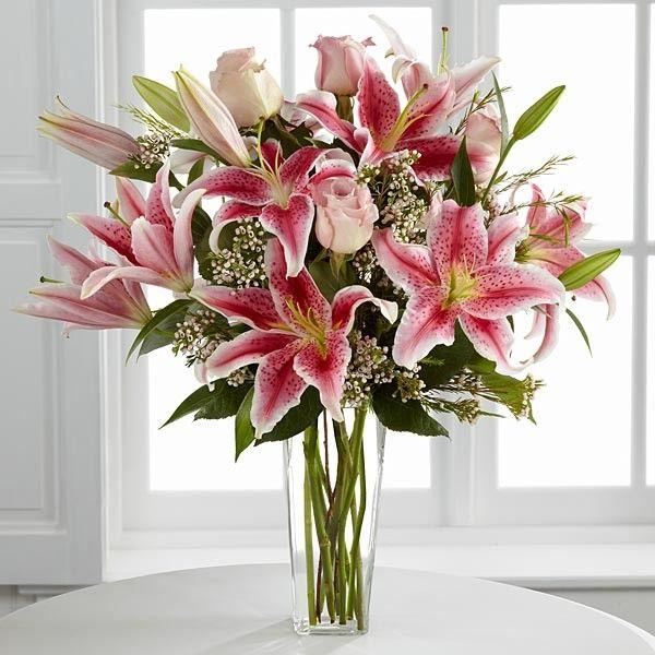 Bouquet de lys stargazer dans un vase   Bouquet   Plantes & Fleurs fraiches   MesFleurs