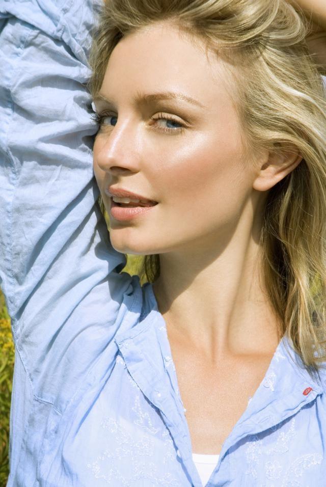 Tips de maquillaje para tener más pómulos (y más altos)