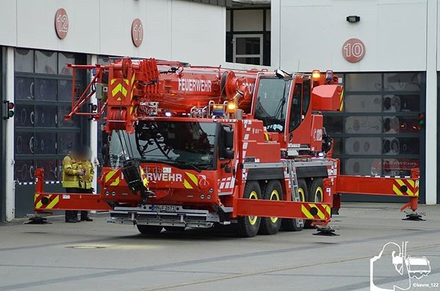 Some German Fd S Have Cranes Is There Usa Fire Depts That