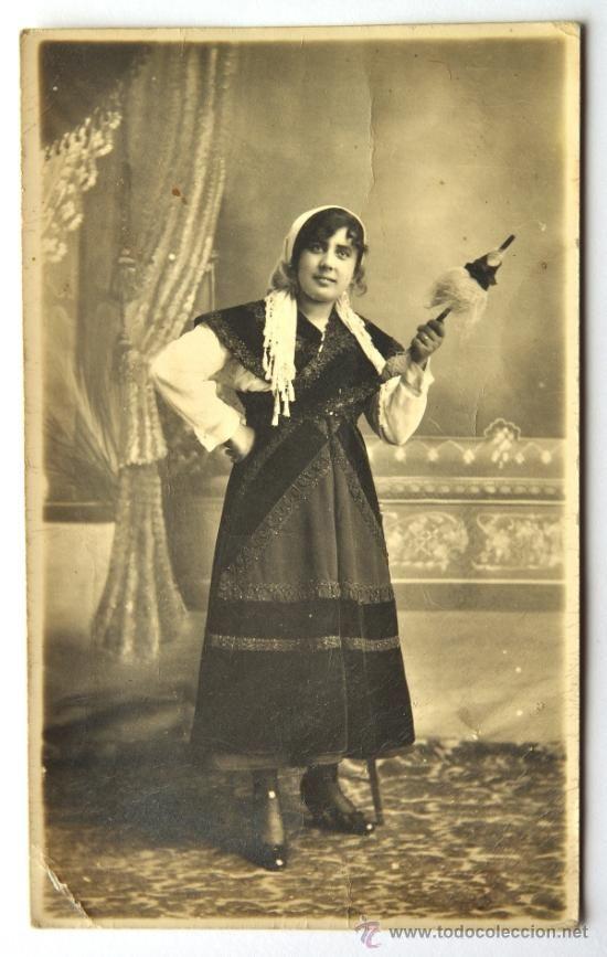 RETRATO DE MUJER CON TRAJE TRADICIONAL GALLEGO. 1921, GALICIA - Foto 1