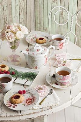 Elegancka popołudniowa herbatka :-) Quaint tea party for a handful of friends...