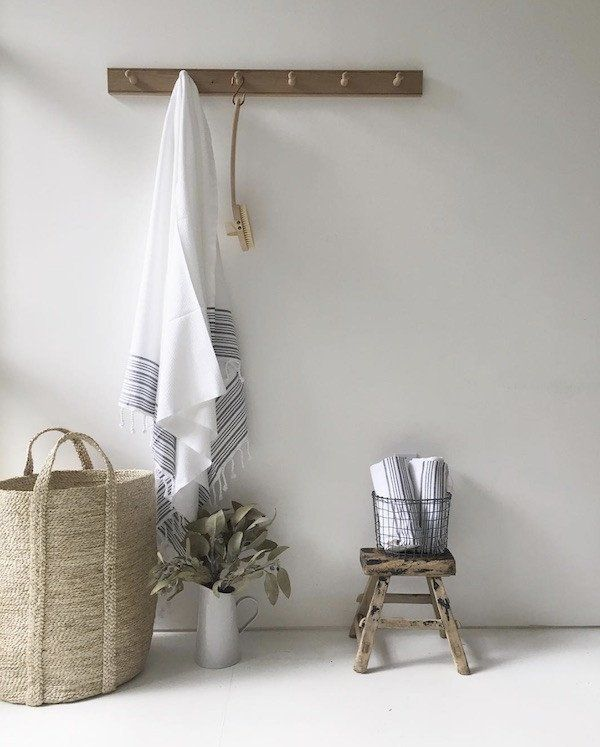 Best 25+ Wooden coat hooks ideas on Pinterest | Modern wall hooks, Modern coat  hooks and Coat hooks
