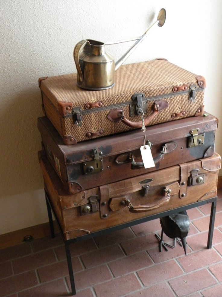 1000 images about suitcases trunks on pinterest vintage luggage vintage suitcases and. Black Bedroom Furniture Sets. Home Design Ideas