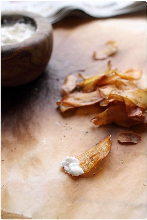 J'ai commencé avec les chips de pommes, puis les chips de patate douce et enfin de betteraves. Il fallait bien que j'essaye les chips de pommes de terre. C