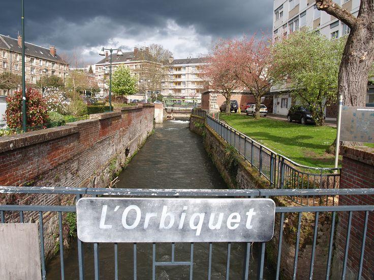 10 best le centre ville images on pinterest centre for Piscine lisieux