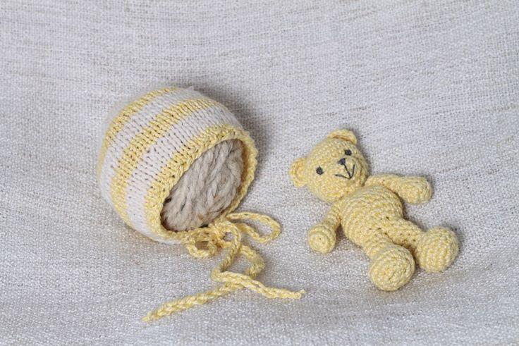 Rainbowbabyprops | Teddy bear and striped newborn bonnet set