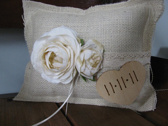 Cute Love Pillows : cute ring bearer pillow! love the rustic look Here Comes the Bride Pinterest The rustic ...