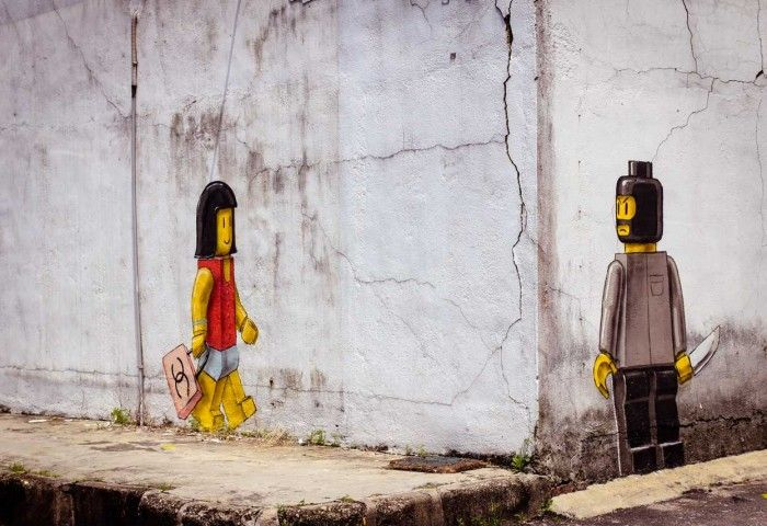 Controversial mural at Johor Bahru, Malaysia by Ernest Zacharevic