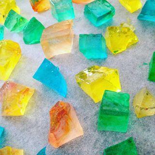 琥珀糖は食べられる宝石 お家で作れる簡単レシピをご紹介♪|cuta [キュータ]