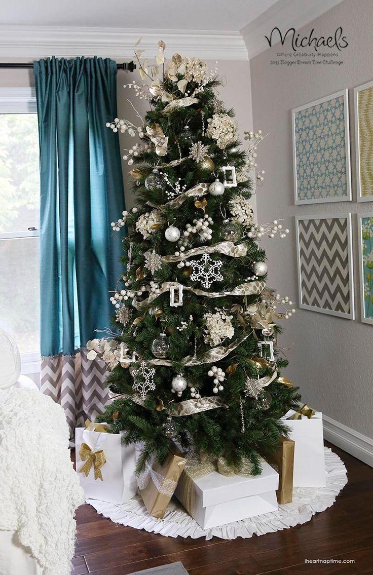 Gold Dream Christmas Tree by @Jalyn {iheartnaptime.net}  #JustAddMichaels