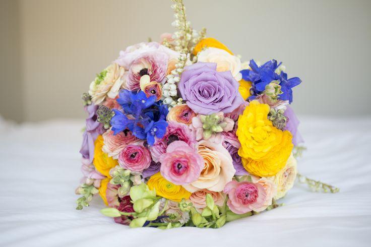 Happy Friday! #wedding #florals #colourful #flowers #florist #Lillipollen