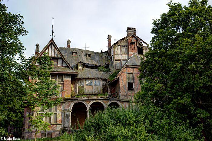 Château Nottebohm (B) May 2014 villa kasteel urbex urban decay abandoned Belgium België Photo by: Jascha Hoste