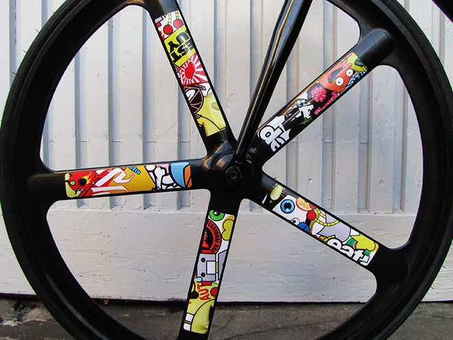 RIDDOX Bicycle Rims - Stickerbomb Folie ----- ------- Check our rims and combinations on www.riddox.de (*Europe wide shipping*) ----- #RIDDOX #RIDDOXberlin #bicyclerims #fixedgear #fixedgearbike #fixie #getRIDofOxidation
