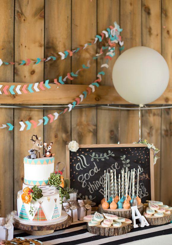 Un tableau ardoise pour décorer une table d'anniversaire enfant