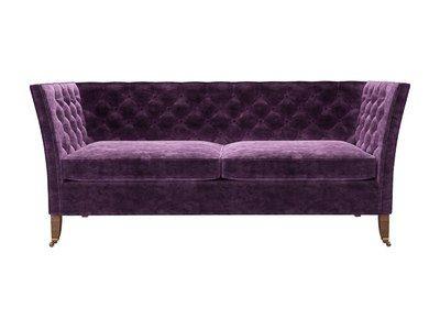 Descartes 2½-Sitzer in Wine Roosevelt-Samt - https://www.sofa.com/de/shop/sofas/2-und-halfte-sitzer/descartes/customize/size/121/fabric/RSVWIN/