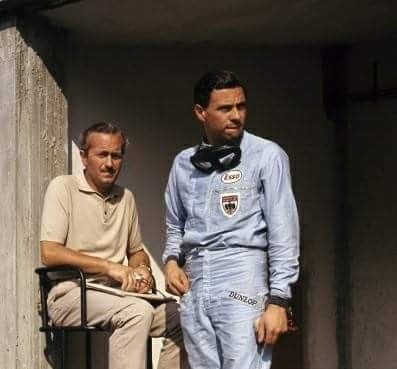 1963 Italian Grand Prix, Monza : Colin Chapman and Jim Clark. (ph: © Gery Gerard)