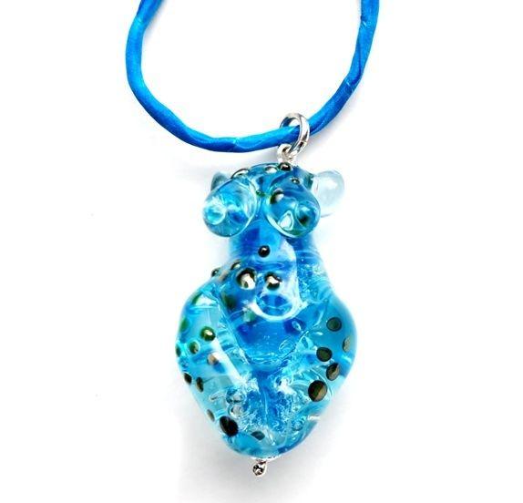 Boblende akvamarinblå gudinne