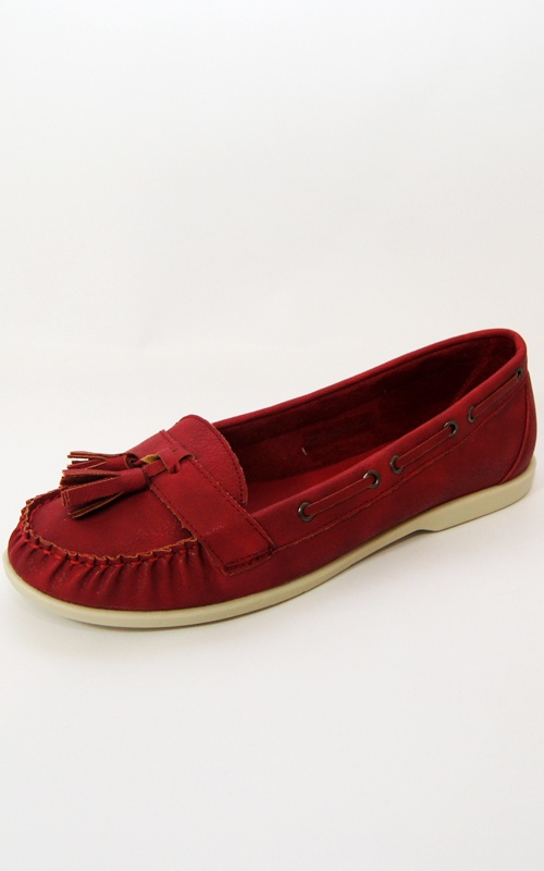 Hot Red Leatherette Tassel Loafers Flats    Price: £8.00 http://www.riskyfashions.com/p/Hot-Red-Leatherette-Tassel-Loafers-Flats-_907.html