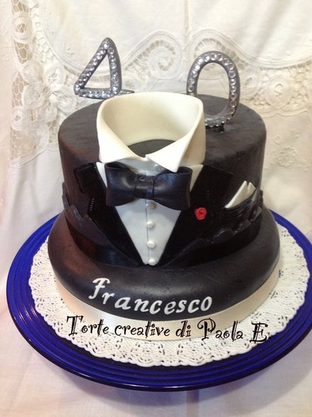Tuxedo cake, 40th birthday cake. Torta smoking x i 40 anni. Cake by TortecreativePaolaE