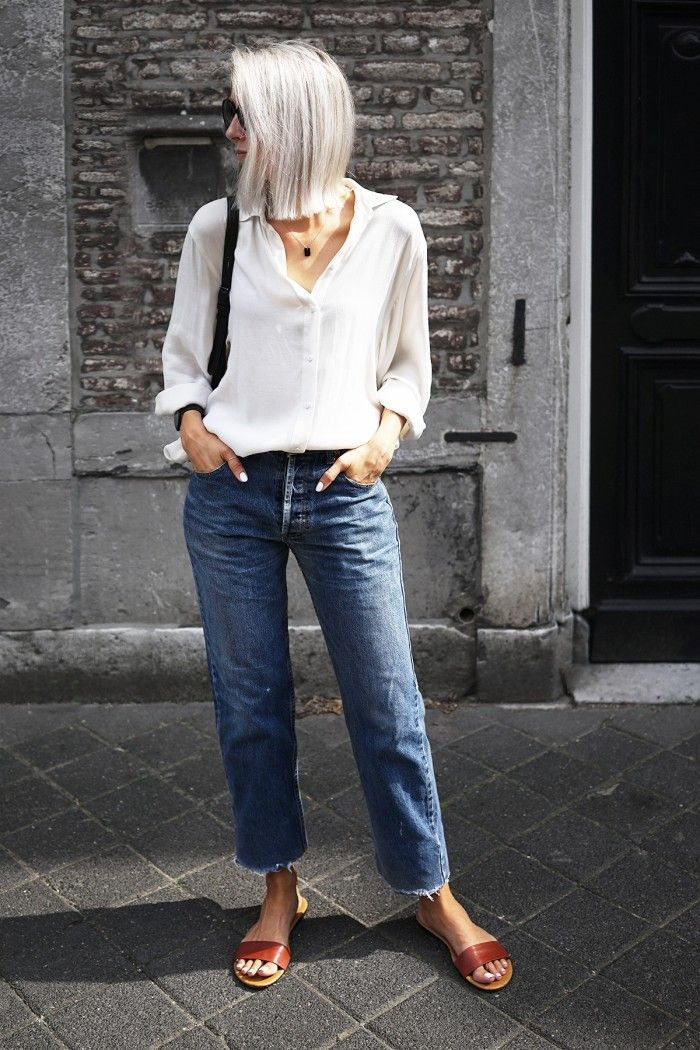 ~ Vintage Levi's jeans and a white shirt. Perfect combo.
