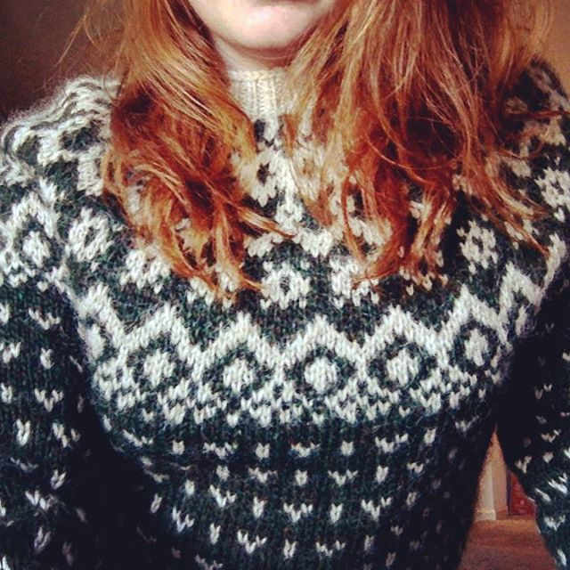 The best knit yet, The Redhead Sweater ☘ #knittingeverydamnday…