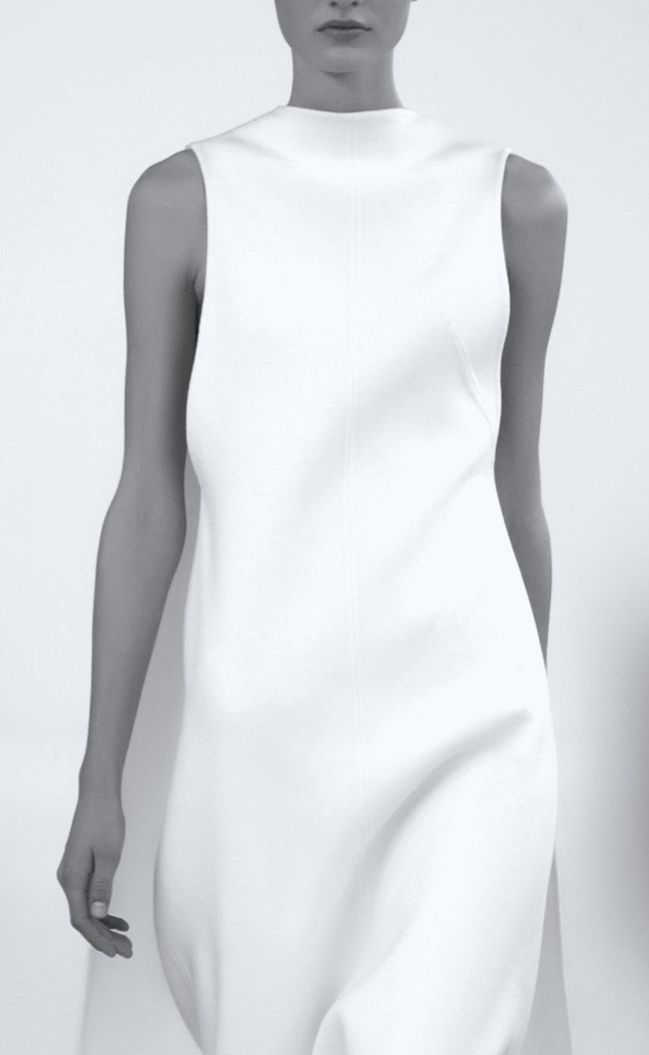 Minimal and Classic Style // white dress with clean lines // Valentino | Spring 2015 Haute Couture
