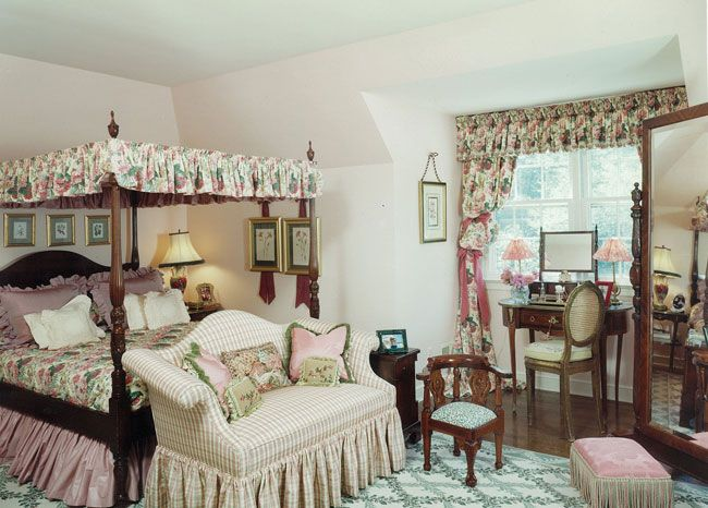 Old english bedroom decor