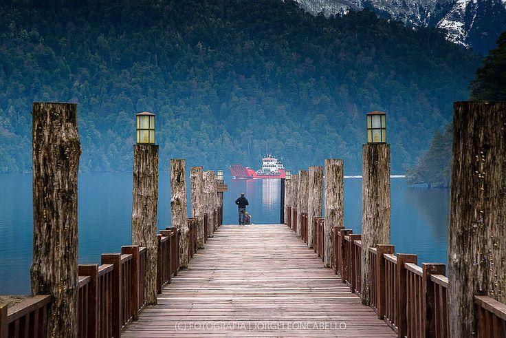 Barcaza Lago Pirihueico - Reserva Biológica Huilo Huilo (Puerto Fuy - Chile)