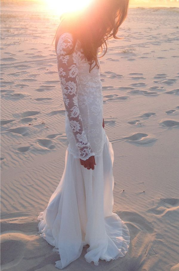 Such a pretty long sleeve lace wedding dress | http://www.weddingpartyapp.com/blog/2014/08/28/etsy-wedding-dress-guide-boutique-brides/