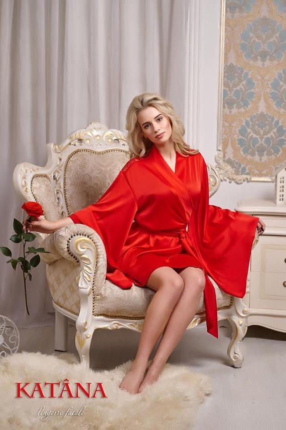 Classic KATÂNA Hot red Lace Robe