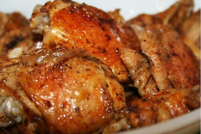 Szaftos sült csirke a sütőből, amivel alig van dolgod - www.kiskegyed.hu