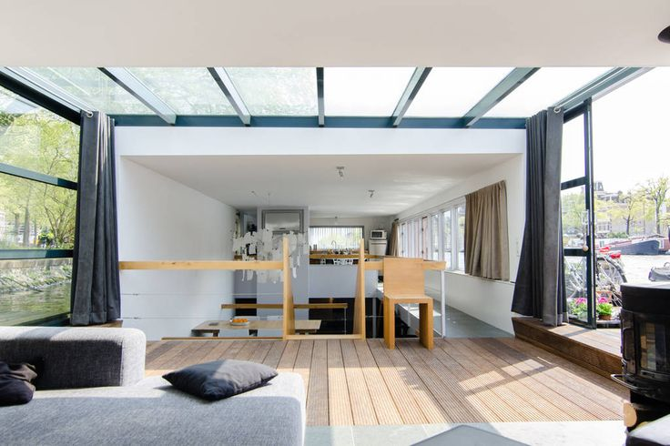 Unique Houseboat Amsterdam Center - Boats for Rent in Amsterdam - Get $25 credit with Airbnb if you sign up with this link http://www.airbnb.com/c/groberts22