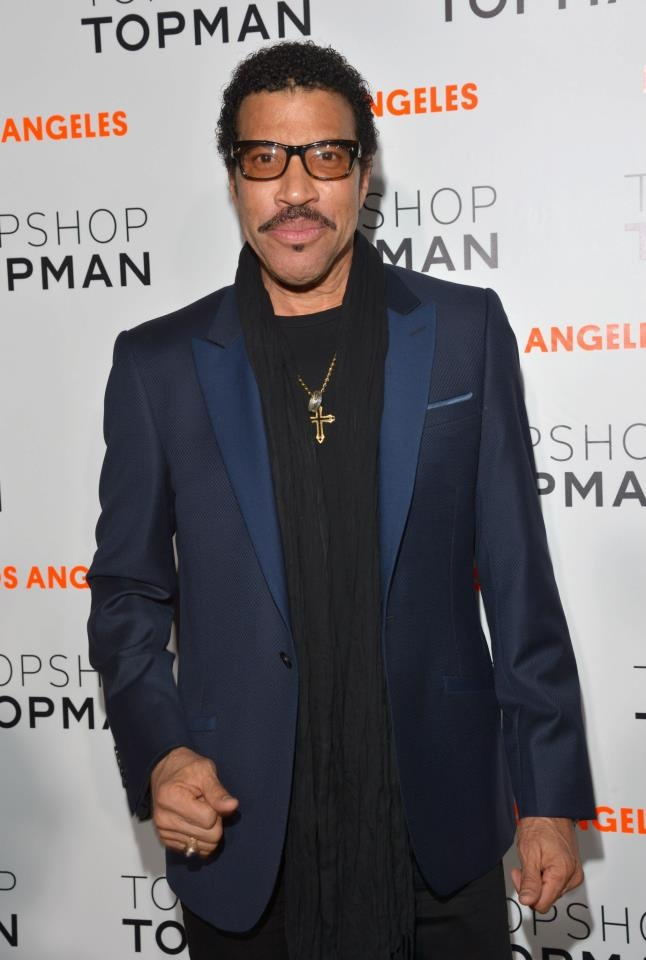 Lionel Richie in navy blue and black #grooms