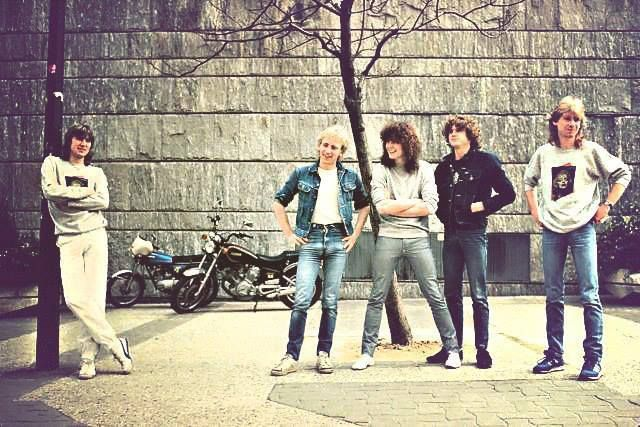 104 best images about def leppard on pinterest radios fans and tommy bolin. Black Bedroom Furniture Sets. Home Design Ideas