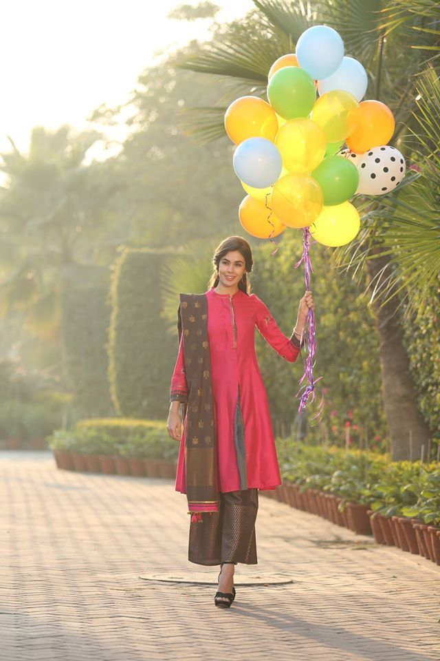 #eoss #sale #ethnic #Wear #Indian #fashion #style #jewellery #designer #design #contemporary #kurta #kurti #india #chunni #dhupatta #drape #arm #neck #necklace #earrings #churidar #jeans #plazzos #fashionbottoms