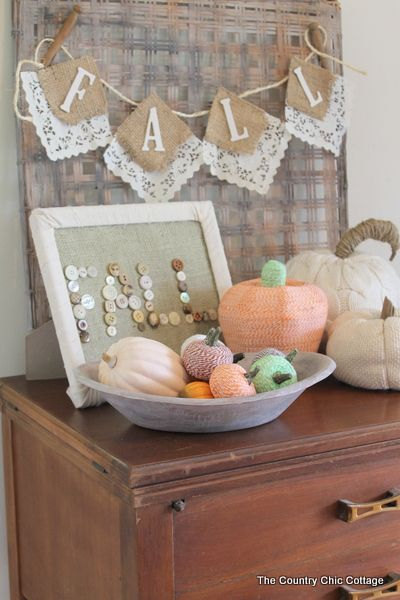 love this banner idea!-- instead of paper letters on the burlap, I'd like to use opalescent buttons to spell out baby's name. Then keep it for the baby's room