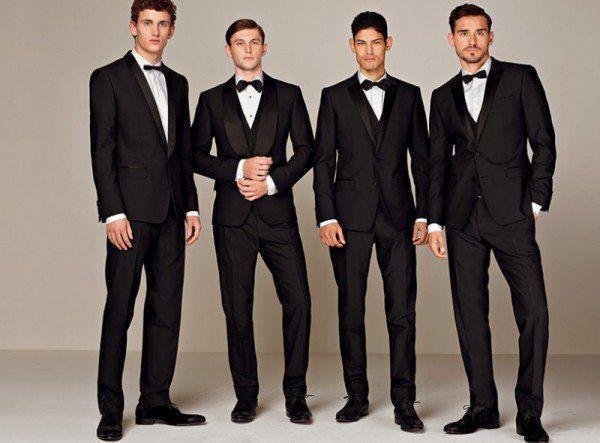 新郎新婦の兄弟もビシッとスーツできめて。結婚式で着る親族衣装まとめ。ウェディング・ブライダルの参考に。
