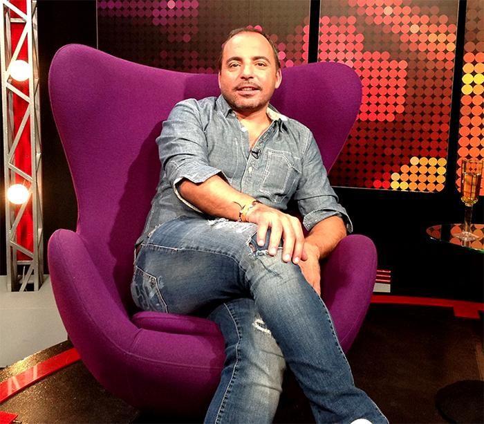 Y ahora en #ZonaDeEstrellas no te pierdas una entrevista a @Marcosllunas Conduce: @natalychilet #ZonaLatina