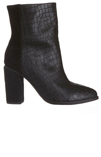 Georgie boot black by Sol Sana