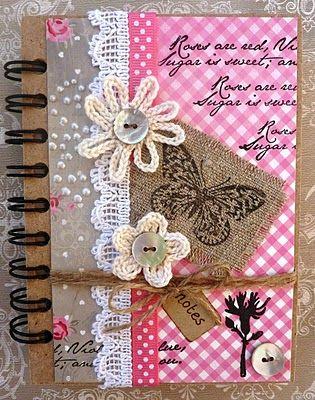 Maak eens een persoonlijk notitie boekje (goedkoop halen bij Action) kaft zelf aanpassen naar smaak.