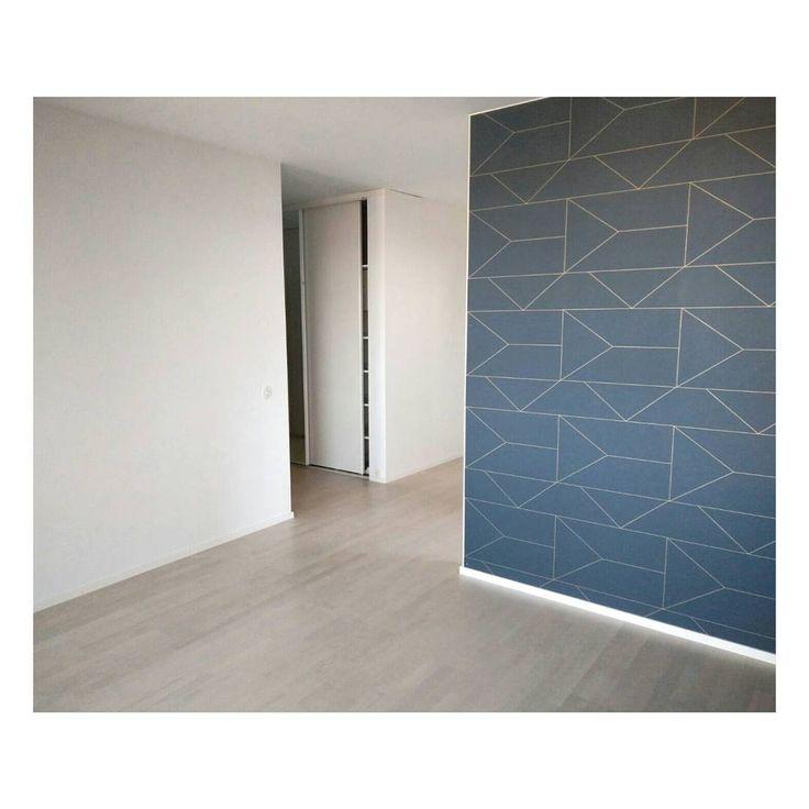 ferm LIVING Lines wallpaper: http://www.fermliving.com/webshop/shop/news-living-aw15/lines-wallpaper-dark-blue.aspx