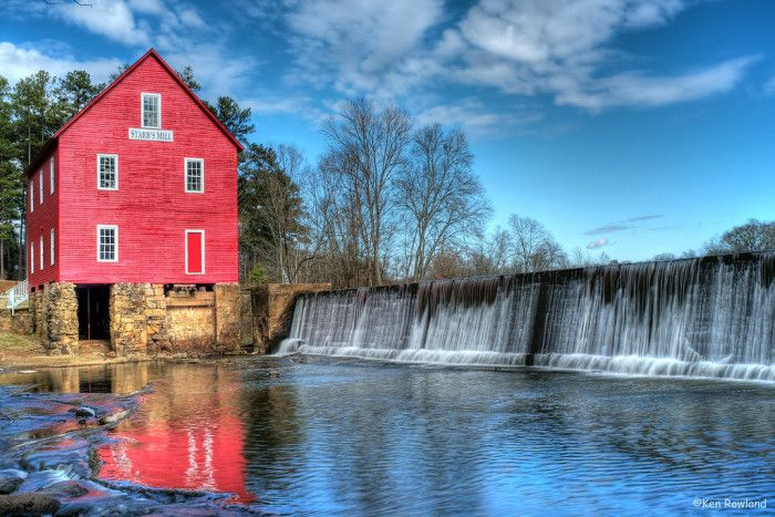 This shot of Starr Mill's Waterfalls in Fayetteville is just one of the beautiful country scenes you can find there. Located south of Atlanta, it is one of the best places for young families and retirees as named by Nerd Wallet and Forbes respectively. This town has less than 15,000 residents, according to the the 2010 census.