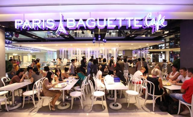Paris Baguette Singapore | But it's so difficult to get a table and the queue line is not consistent.