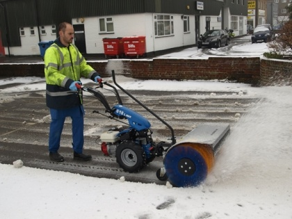 The Snow Brush is suitable for the BCS Two-Wheel Tractors, the BCS Crusader Power Scythes and the BCS Commander/Bank Commander, and is  compatible with the following machines:  BCS 710, BCS 720, BCS 730, BCS 740, BCS 615, BCS 615L, BCS 615SL, BCS 630, BCS 630WS.