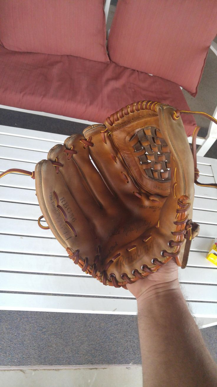 Restoring an old baseball glove #LordLeatherConditioner http://lordleathercare.com/