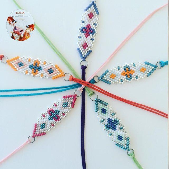 Nedimeler için çiçekli bileklikler biraz demode olmadı mı? #danaaccessorise #miyukibileklik #miyuki #miyukibracelet #nedime #braidsmaid #nedimebilekligi #colorful #rengarenk #beaded #beadedbracelet #miyukiaccessories #handmade #handmadeaccessories #elyapimitaki #elemeği #accessories #pembe #mor #yeşil #turuncu #mavi