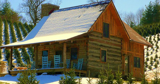 The unassuming cabin on Boyd Mountain. | 28 Images For People Who Are Into Log Cabin Porn